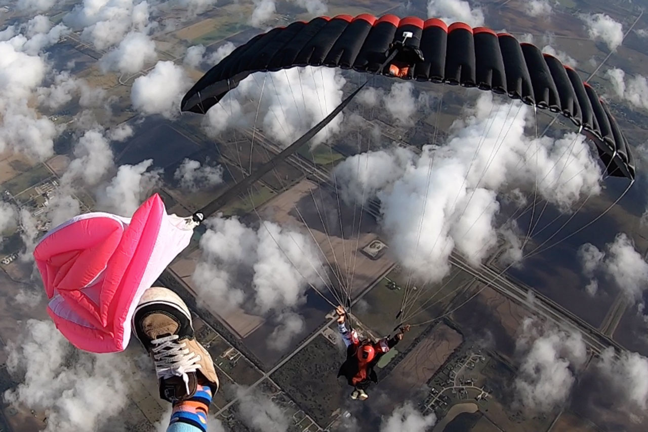 Experienced jumpers enjoying the rush of skydiving in Puerto Rico